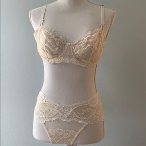 NWT Bra Set 34D  Victoria's Secret Unlined Bra